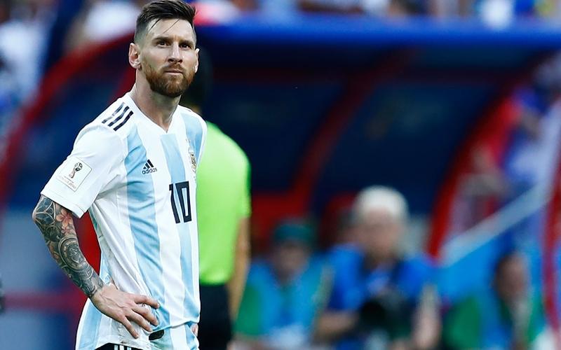 Messi trägt einen Tattoo-Sleeve