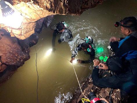 Rettungsaktion in Höhle Thailands