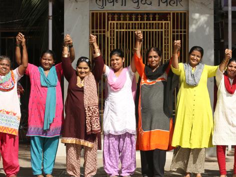 Muslimische Inderinnen freuen sich, dass die Blitzscheidung seit kurzem gesetzlich verboten ist.