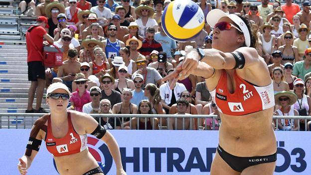 Lena Maria Plesiutschnig und Elisabeth Schützenhöfer (AUT) im Spiel gegen Anastasija Kravcenoka und Tina Graudina (LAT), anl. der Beach Volleyball Major Series am Mittwoch, 01. August 2018, in Wien.