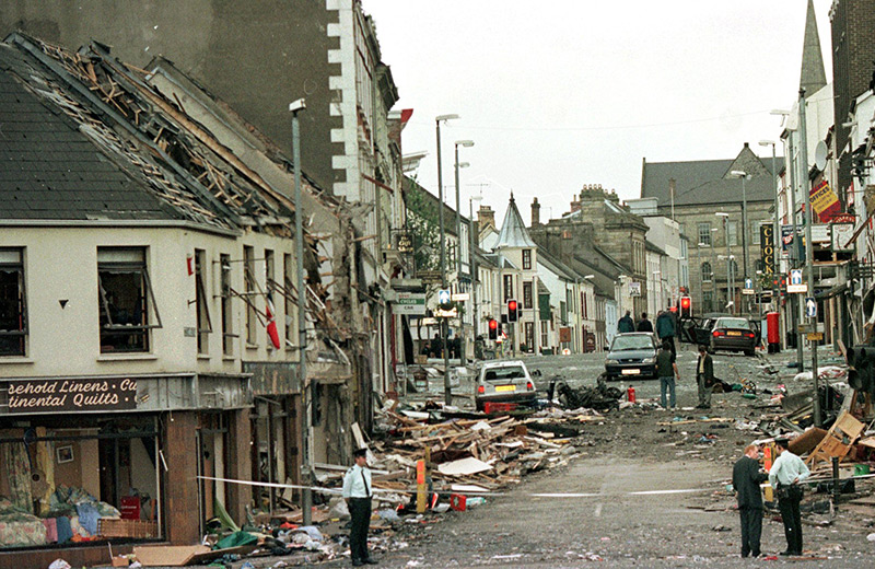 Bombenanschlag im August 1989 in Omagh, Nordirland mit 29 Toten