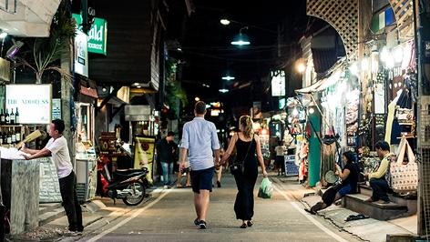 Thailand, Straße auf der Insel Ko Samui