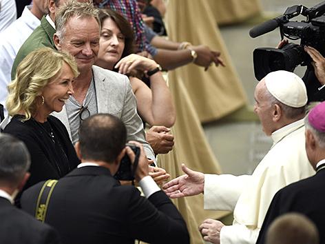 Sting mit Papst