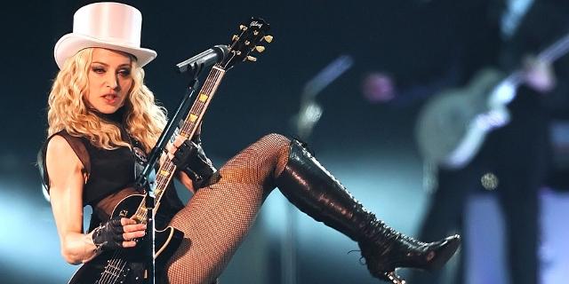 Madonna bei einem Livekonzert 2008