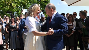 Außenminiterin Karin Kneissl und Wladimir Putin