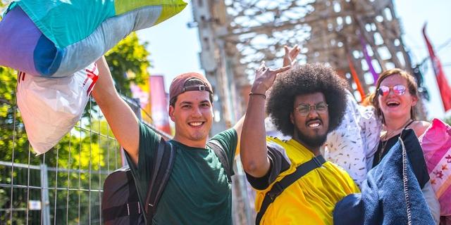 Menschen haben Spaß am Sziget Festival