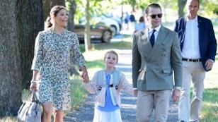 Schwedens Prinzessin Estelle an ihrem ersten Schultag