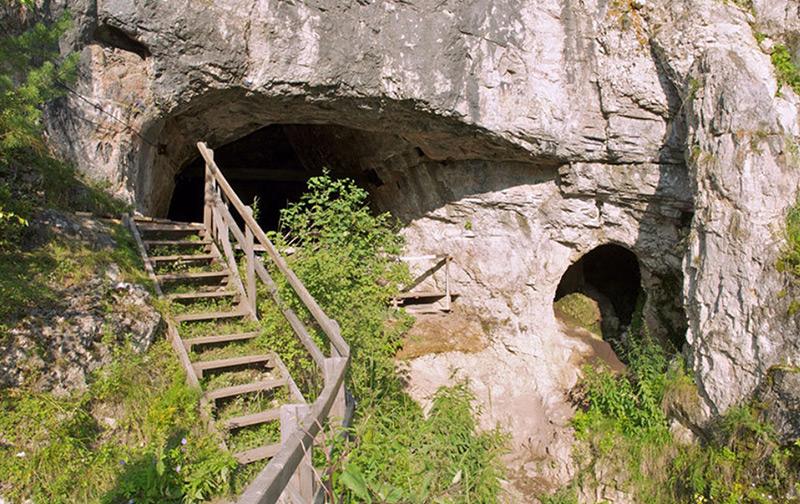 Eingang zur Denisova-Höhle