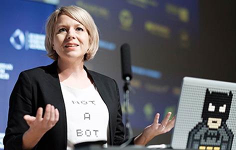 Die Roboterpsychologin Martina Mara in Alpbach