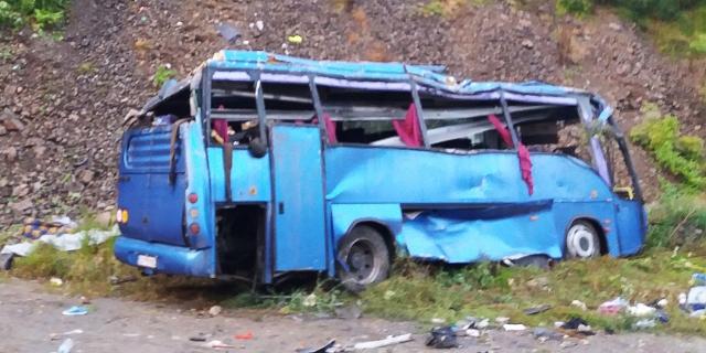 Verunfallter Reisebus