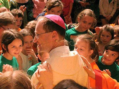 Kinderveranstaltung KISI-Kids Treffen in Gmunden 2013 mit Bischof Stephan Turnovszky