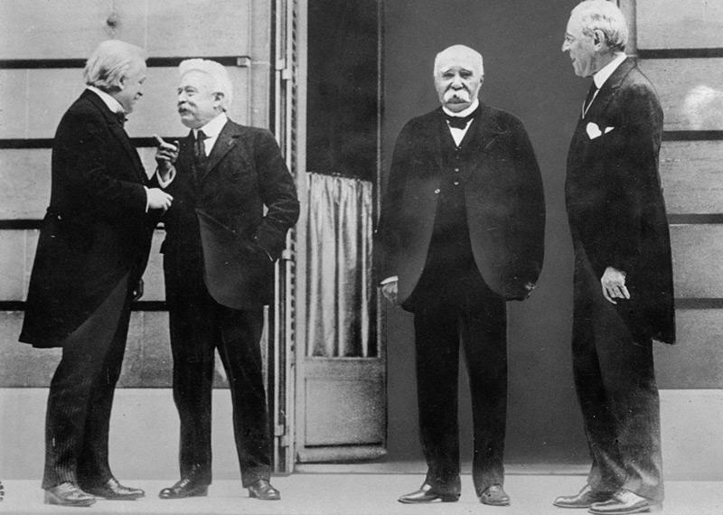 Die Verhandler in Versailles 1919: David Lloyd George, Vittorio Orlando, Georges Clemenceau, und Woodrow Wilson