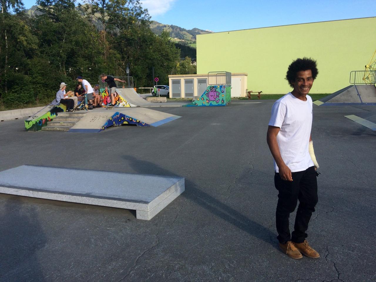 Skateboarder Chris Pfanner am Skatepark Kitzbühel