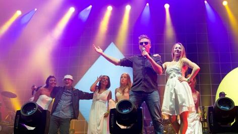 Fettes Brot (Dokter Renz, MC König Boris, MC Björn Beton) live auf der Openair- Bühne