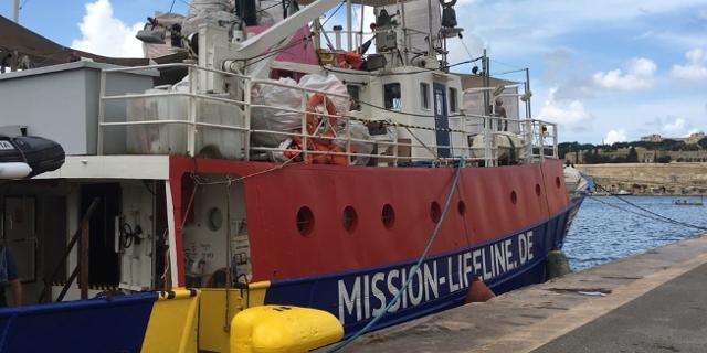 Bilder vom Seenotrettungsschiff Lifeline