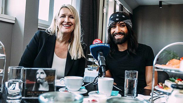 Claudia Stöckl und Conchita