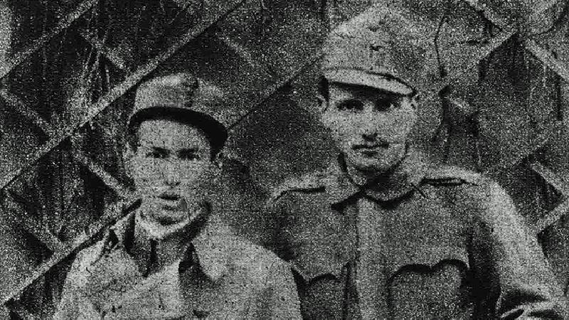 Egon Erwin Kisch und Kamerad in der Montur der Roten Garden