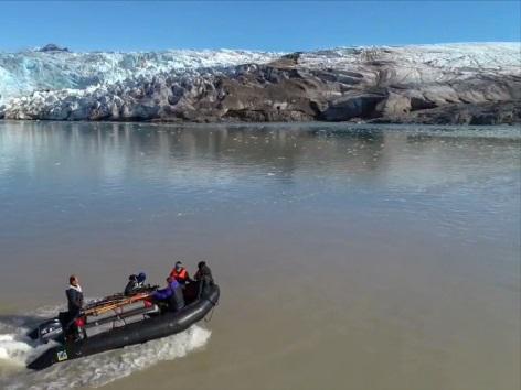 """Expedition: """"Tour des Lebens"""" im August 2018 mit den Auszubildenden der Hotelkette Upstalsboom: """"Polar Rock Stars"""" in Spitzbergen auf den """"Newtontoppen""""."""