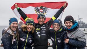 Michael Strasser und sein Team am Ziel in Ushuaia