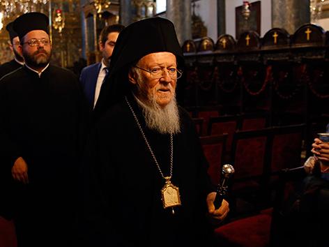 Historischer Bruch: Russische Kirche sagt sich von Konstantinopel los | Politik