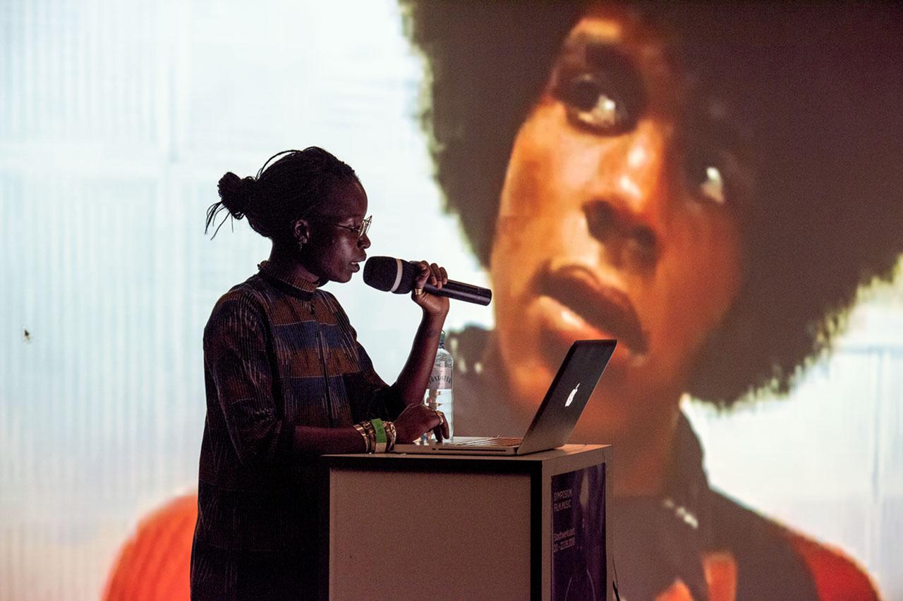"""Mawena Yehouessi bei der """"African Futurisms""""-Konferenz"""