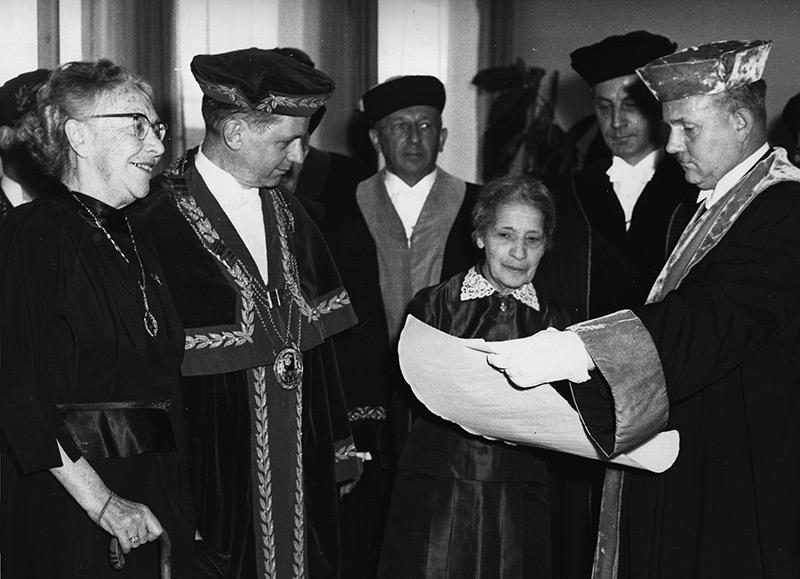 Lise Meitner erhält die Ehrendoktorwürde an der FU Berlin