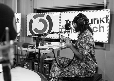 Conchita Wurst im Treffpunkt Österreich bei Benny Hörtnagl