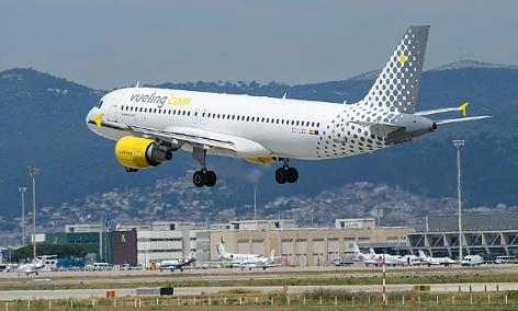 Ein Flugzeug des spanischen Billigfliegers Vueling