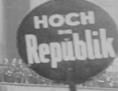 Bild aus dem Film, der die Republikgründung am 12. November 2018 zeigt