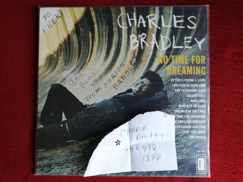 Charles Bradley Cover mit Zettel