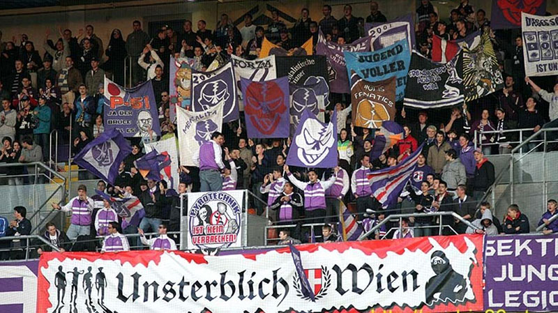 """""""Unsterblich""""-Banner"""