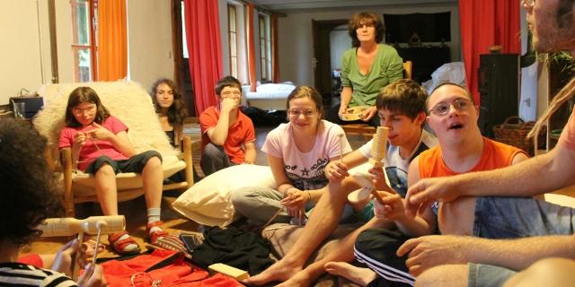 Teilnehmerinnen des Projekts P.I.L.O.T. bei einer Klausur