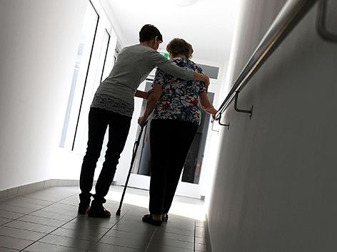 Szene in einem Pflegeheim