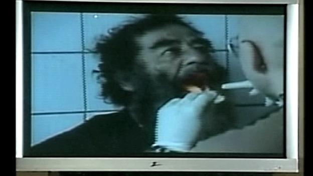 Saddam Hussein wird untersucht