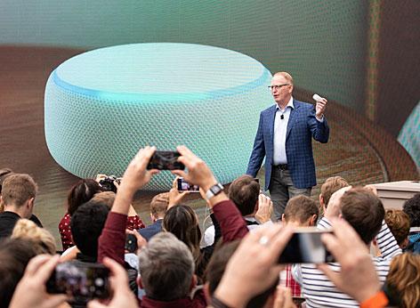 Amazon-Manager Dave Limp bei der Präsenation des neuen Echo Dot im September 2018 in Seattle/USA