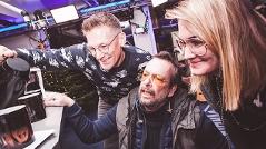 Robert, Andi und Gabi bekommen magische Tassen