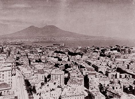 Historische Luftbildaufnahme von Neapel
