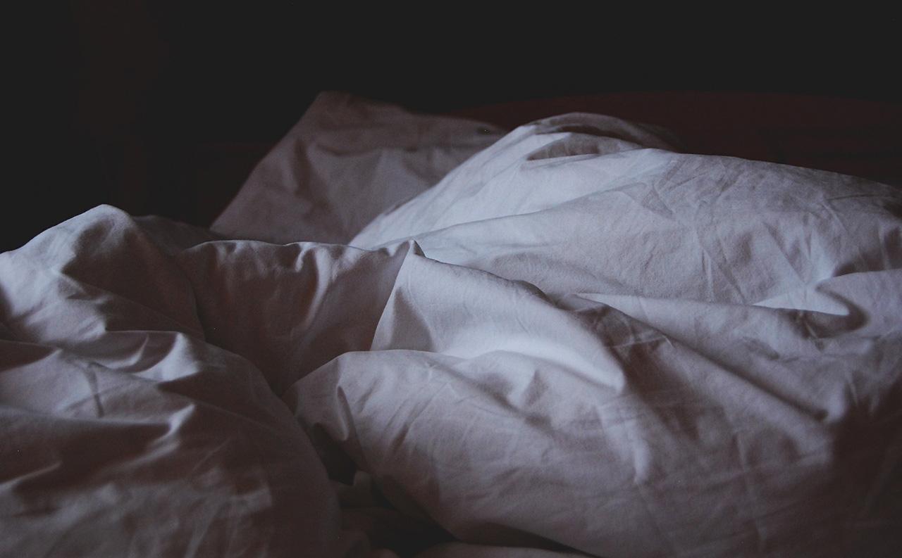 zerknüllte Bettwäsche