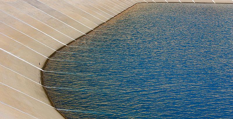 Wasserbecken einer Entsalzungsanlage