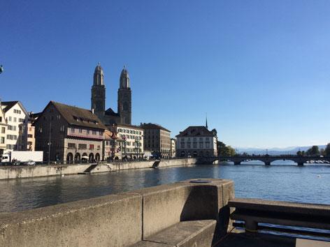Zürich Limmat Zürcher Großmünster