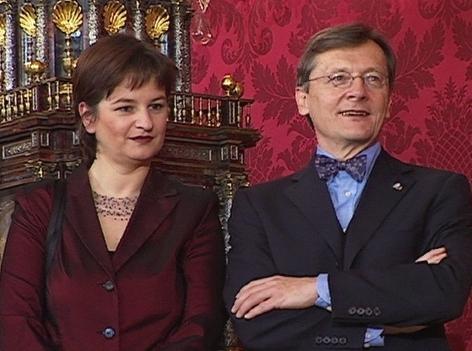 Wolfgang Schüssel und Susanna Riess-Passer bei der Angelobung in der Hofburg am 4.2.2000