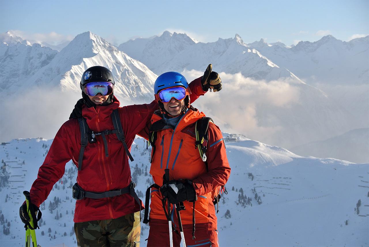 Roman Rohrmoser und Heinz Reich vor Bergkulisse
