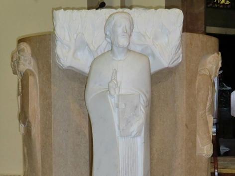Statue des Heiligen Valentins am Ambo in der Kathedrale in Terni
