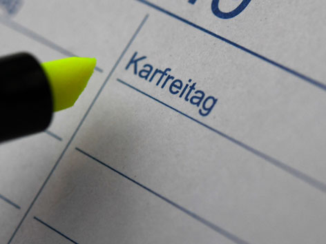 "Ein Kalenderblatt mit ""Karfreitag"""