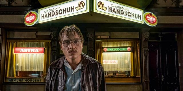 """Bilder aus """"Der Goldene Handschuh"""""""