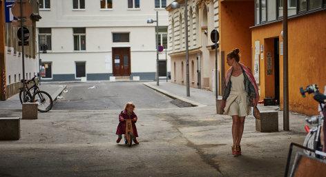 Was hat uns bloß so ruiniert    Originaltitel: Was hat uns bloß so ruiniert (AUT 2016), Regie: Marie Kreutzer