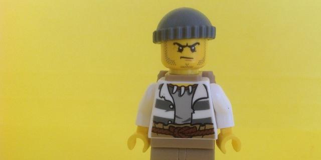 Lego-Männchen mit ungeduldigem Gesichtsausdruck