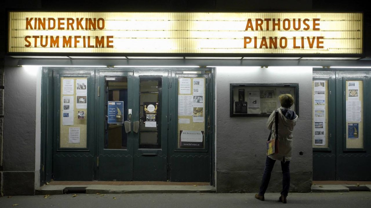 Kino von außen