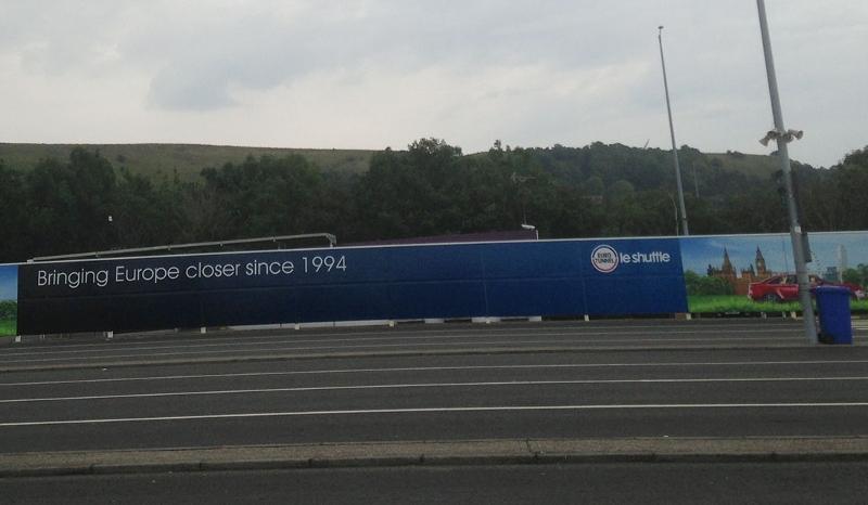 """Werbung für den Euro-Tunnel: """"Bringing Europe closer since 1994"""""""