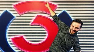 Josh. vor dem Ö3-Logo